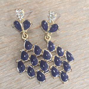 Jewelry - Pretty blue chandelier earrings